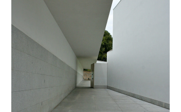 "Picture: ""Museu de Serralves 001"" by Alegna13 - Own work. Licensed under CC BY-SA 3.0 via Commons - https://commons.wikimedia.org/wiki/File:Museu_de_Serralves_001.jpg#/media/File:Museu_de_Serralves_001.jpg"