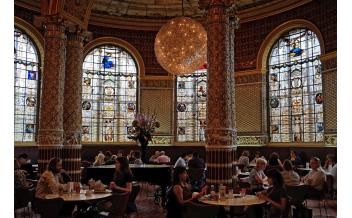 V&A Café в Музее Виктории и Альберта, Лондон
