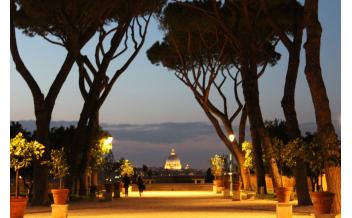 Aventine Hill (Замочная скважина замка Мальтийского ордена и апельсиновый сад) , Рим, Италия: Круглый год