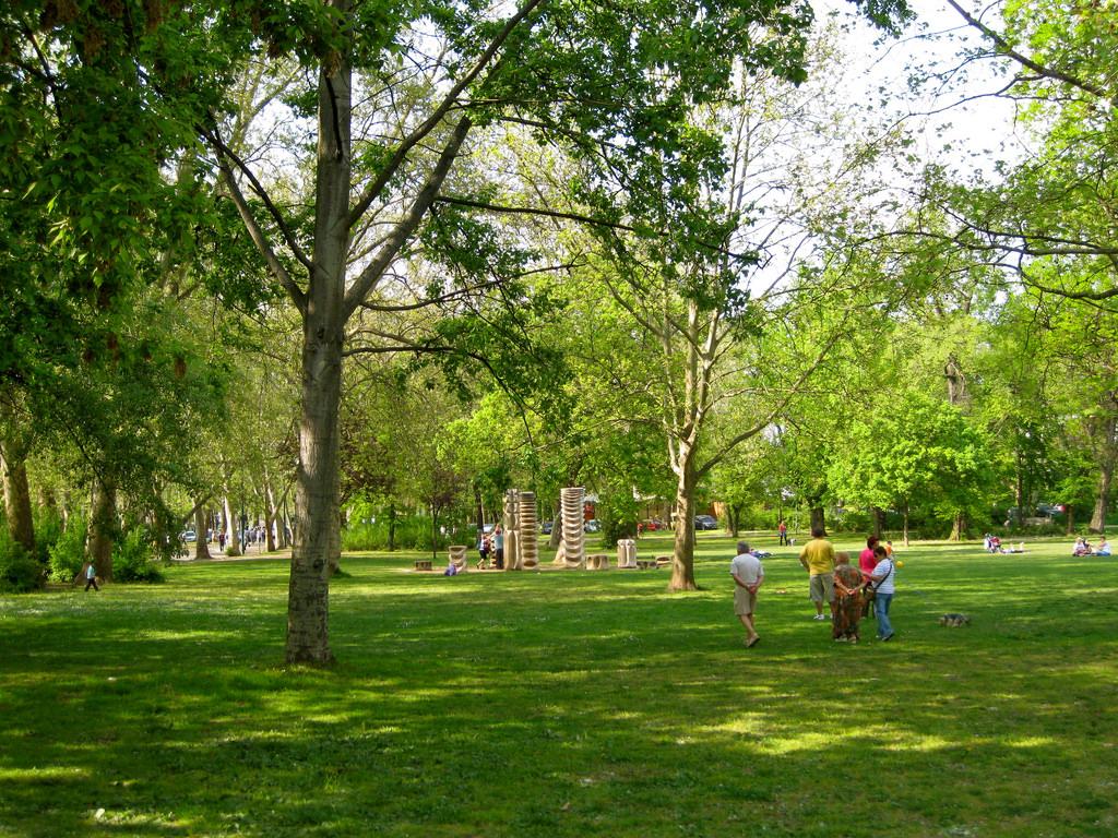 Parco v rosliget budapest tutto l 39 anno for Giardini fioriti tutto l anno