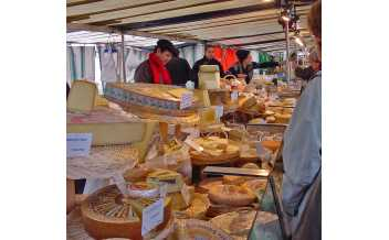 Marché Richard Lenoir (Bastille Market), Paris: All Year