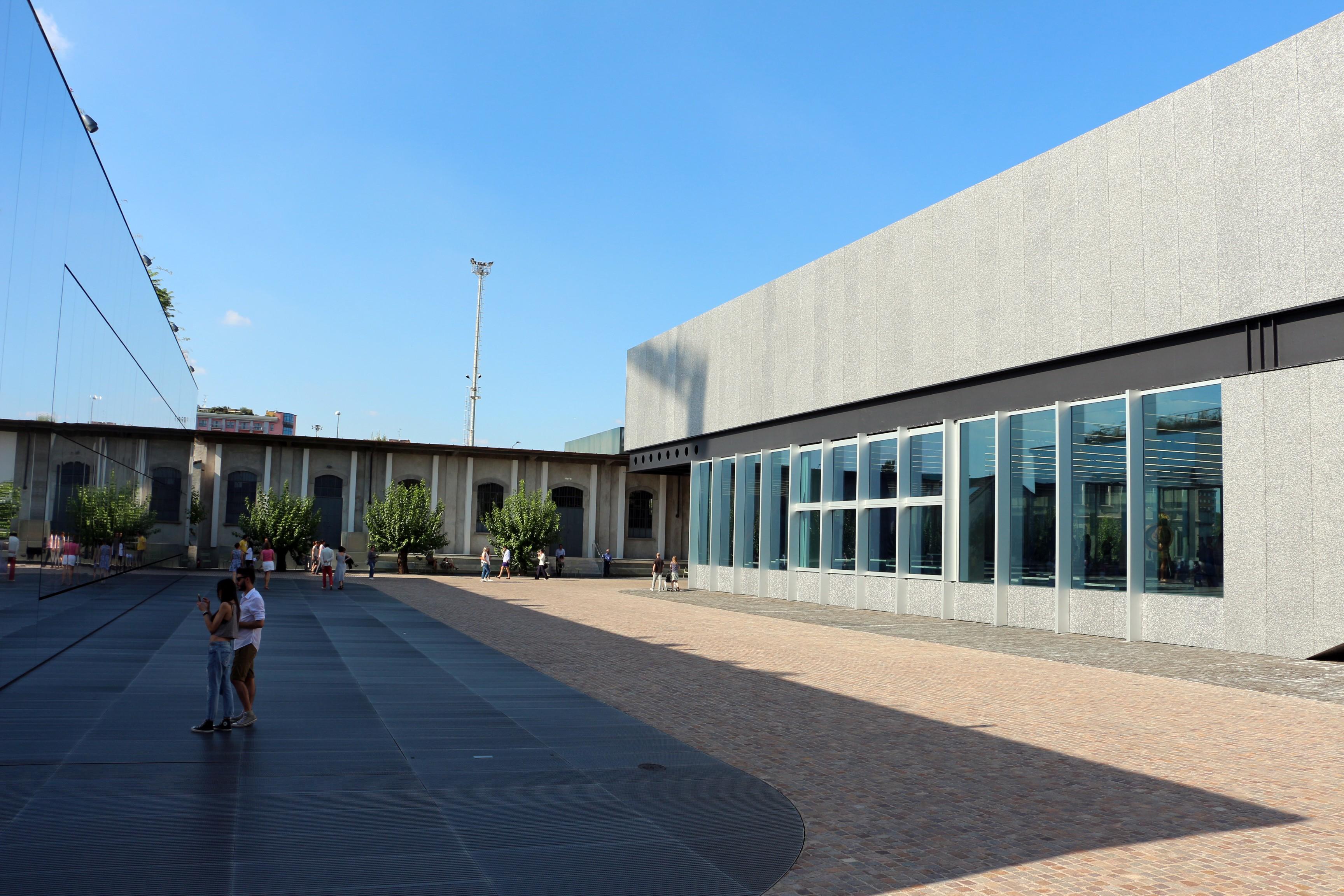 Fondazione prada museum milan all year for Fondation prada milan