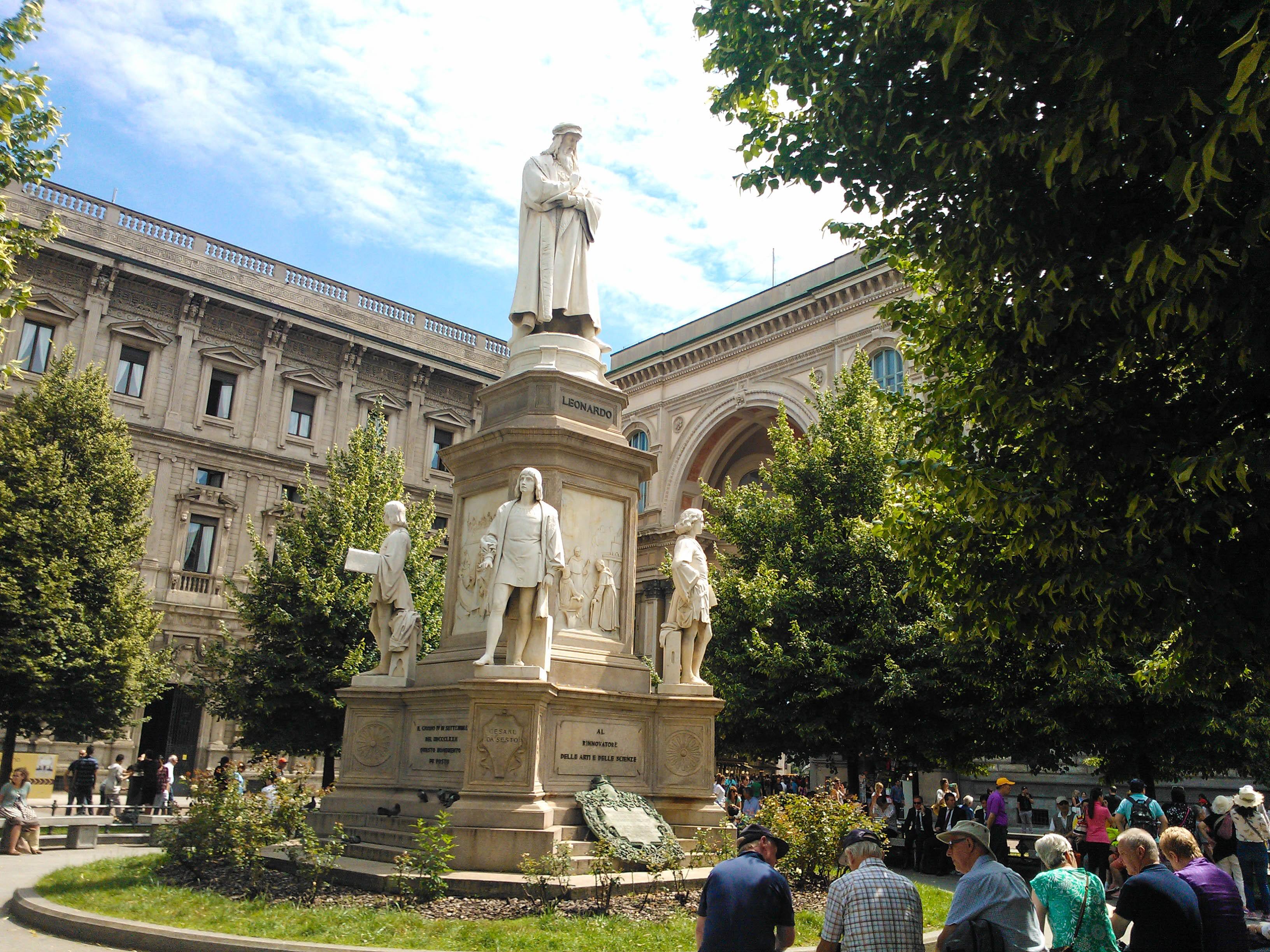 Piazza della Scala, Milan