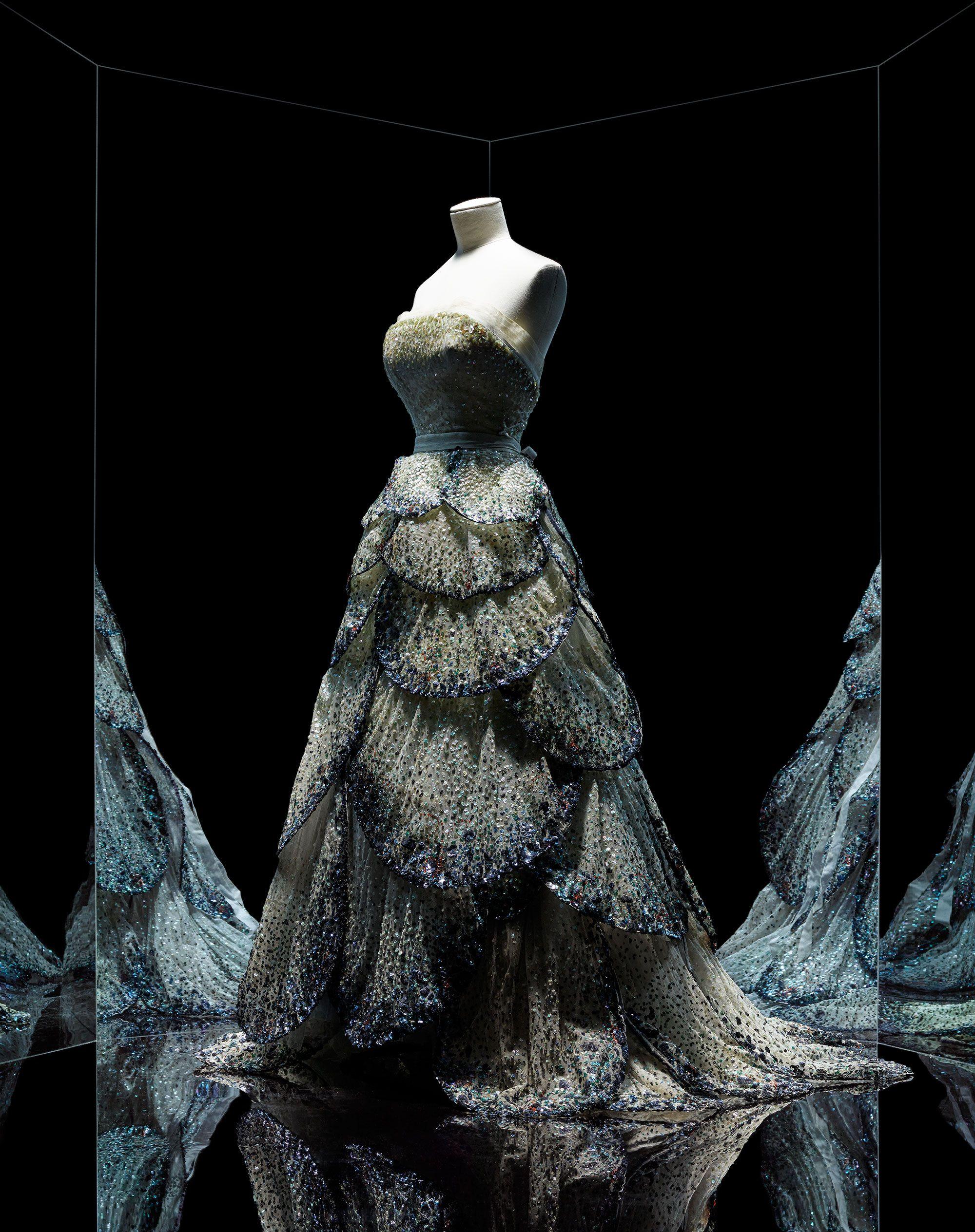 Christian Dior, Junon gown, Haute Couture, Fall-Winter 1949, Milieu du siècle line