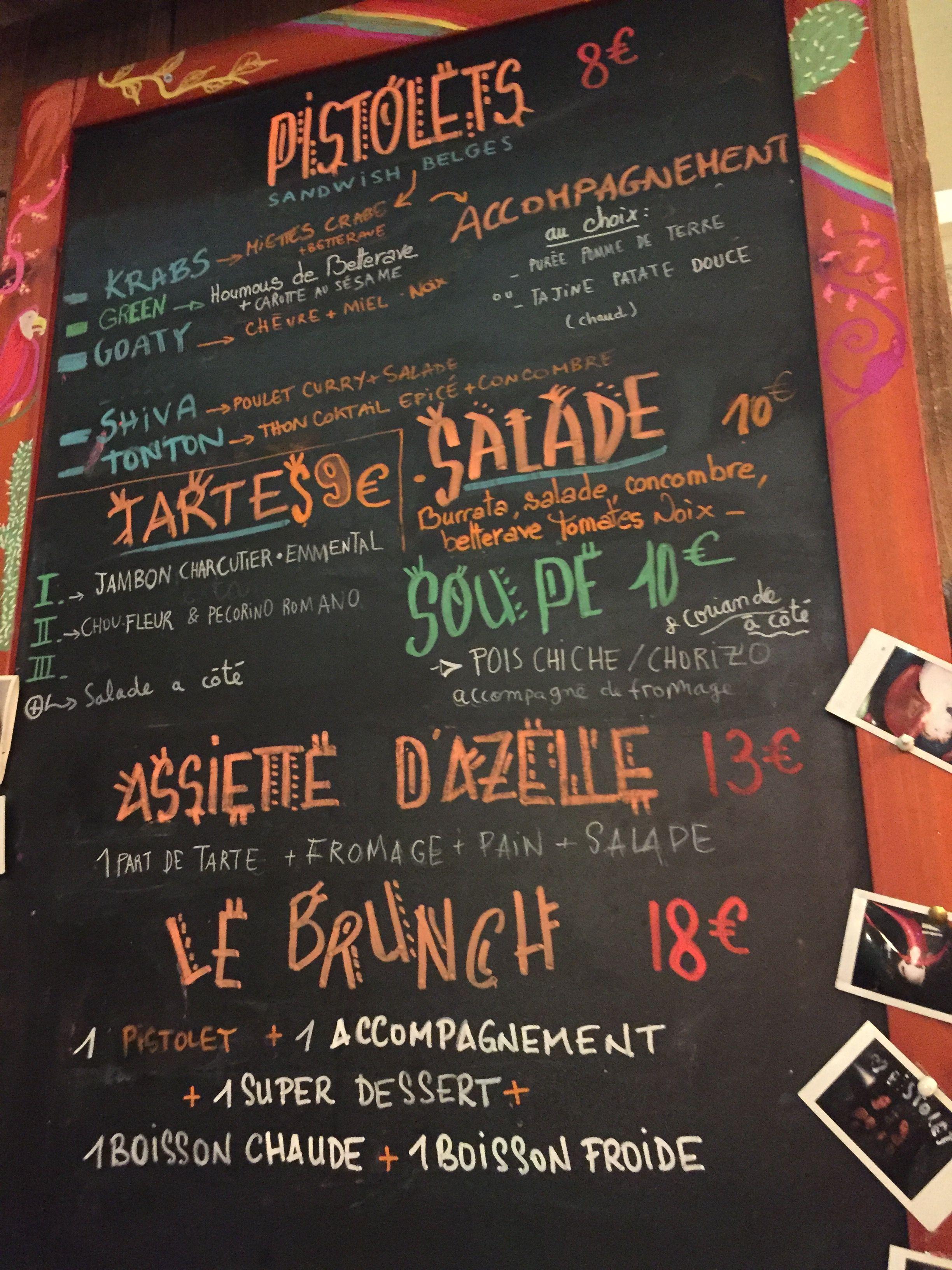 Café L'Improbable, Paris, All Year