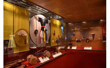 Eolssigu! The Sounds of Korea, Exhibition, Museu de la Música, Barcelona: 31 October 2017-3 June 2018.
