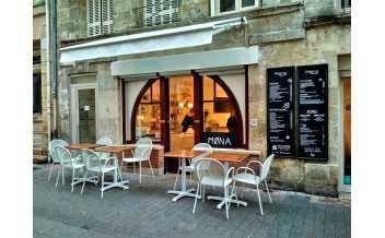 Møna, Bordeaux