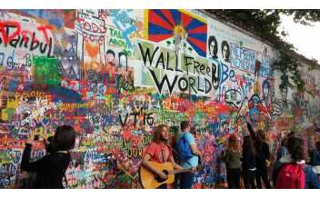 Lennon Wall, Prague