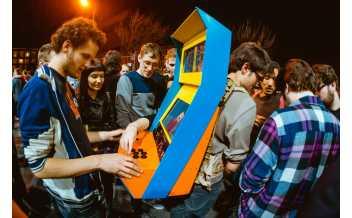Arcade Backpack, UCLA Games Lab (Photo by Robin Baumgarten).