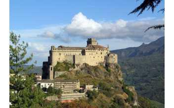 Landi castle, Bardi PR