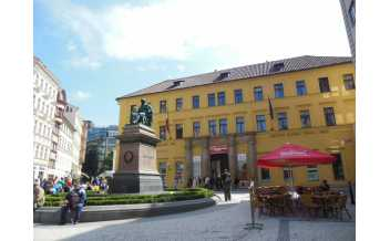 Jungmann Square, Prague