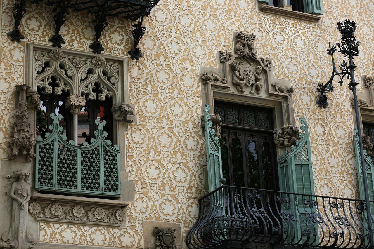 Passeig de Gràcia, Barcelona: All Year