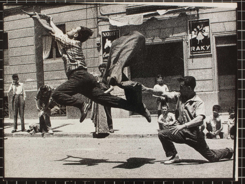 Oriol Maspons y Julio Ubiña. Toreo de salón, 1962 © Oriol Maspons, VEGAP, Barcelona, 2018