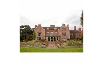 Thrumpton Hall Gardens, Nottinghamshire, England