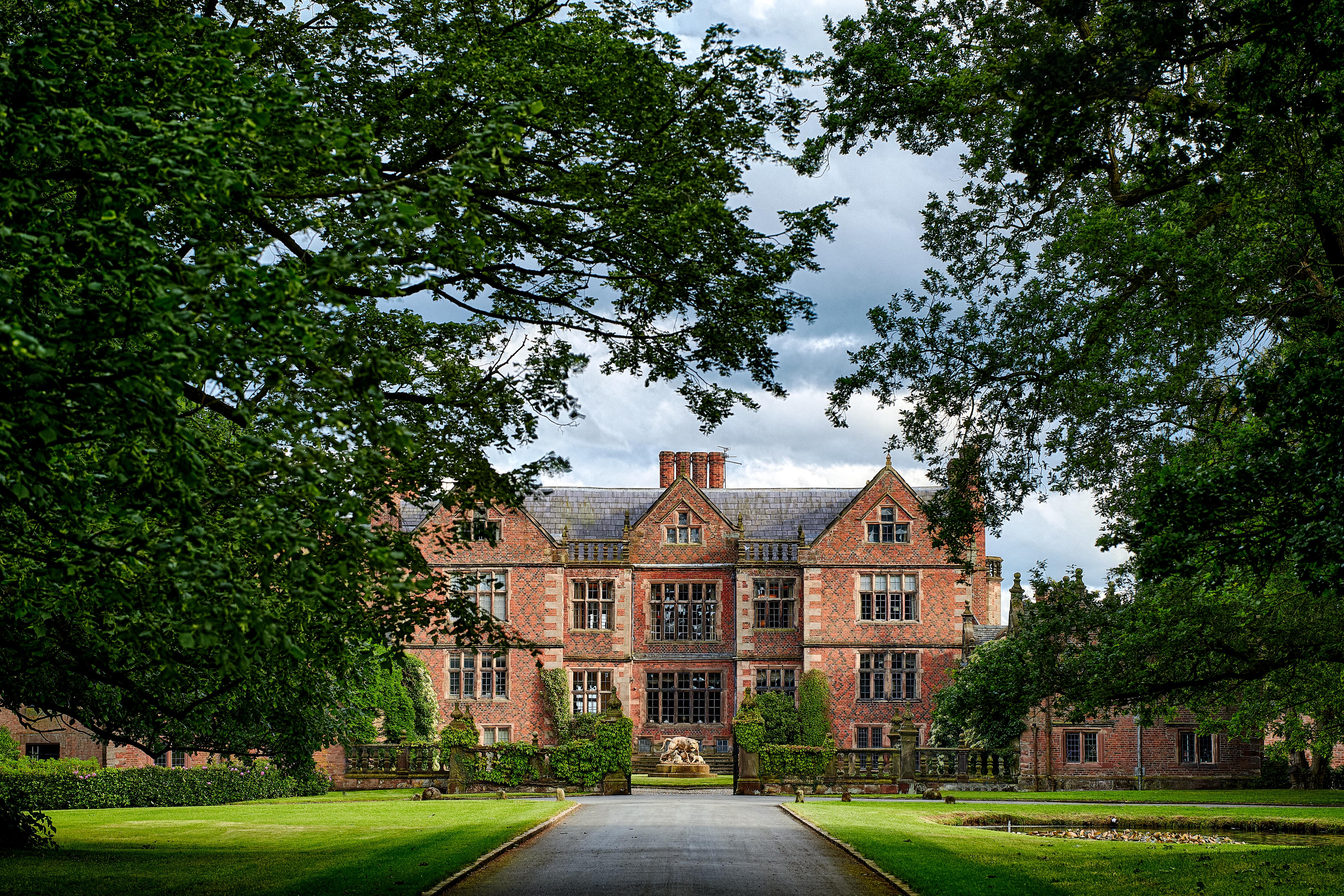 Dorfold Hall