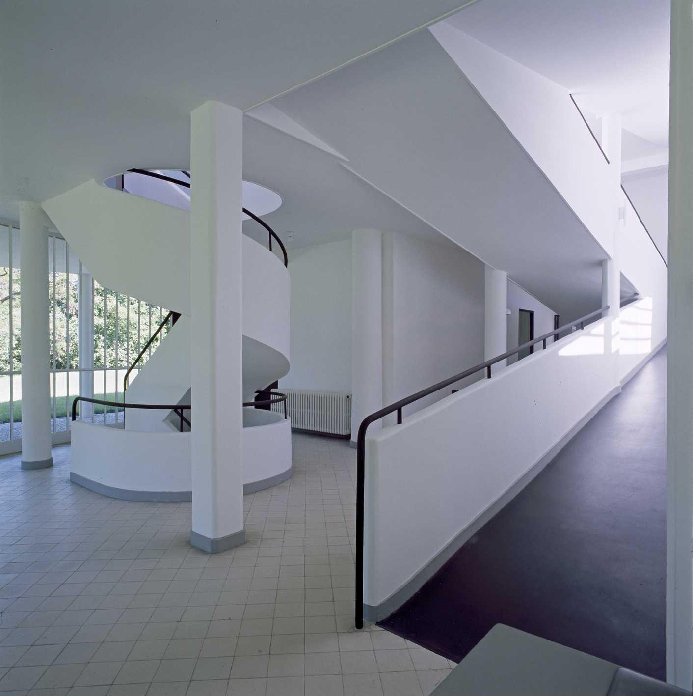 Savoye@J-C. Ballot, CMN Paris (Oeuvre de la Corbusier-Adagp)