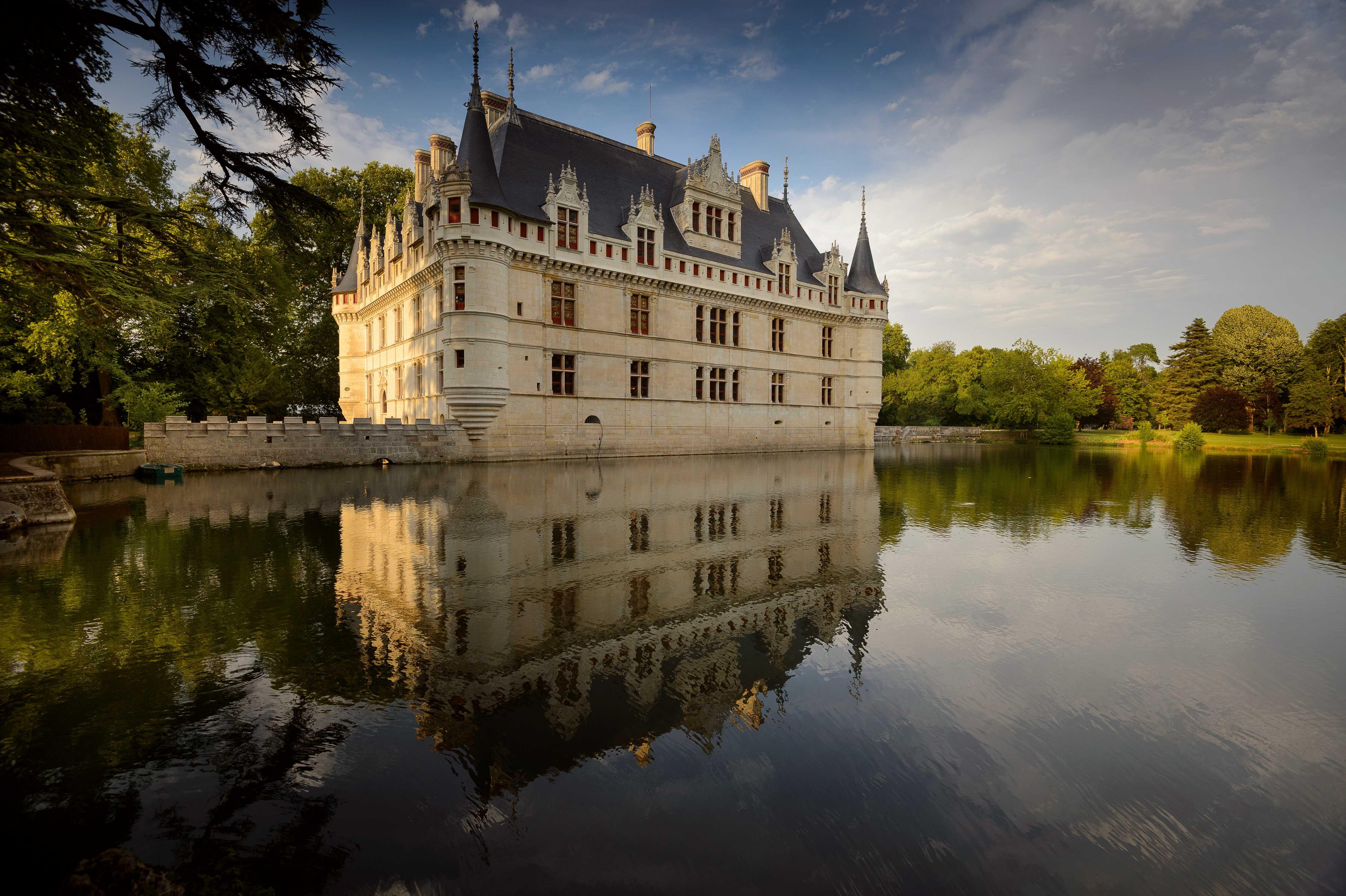 1. Façades du château d'Azay-le-Rideau - ©Léonard de Serres - CMN