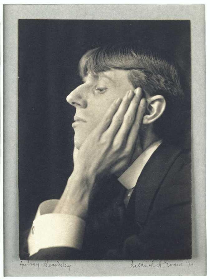 Frédérick Evans (1853-1943) The illustrator Aubrey Beardsley, side view, chin in hands 1895 Platinum print H. 15; W. 10 cm Paris, Musée d'Orsay ©DR - RMN (Musée d'Orsay) / Christian Jean