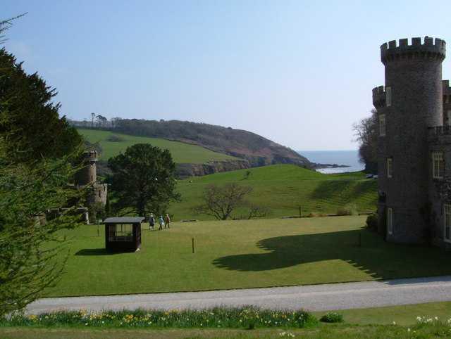 Caerhays Castle Gardens, Austell