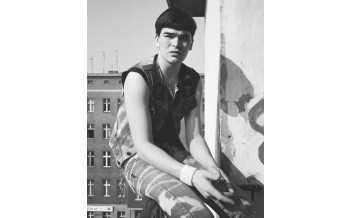 Untitled, Berlin-Kreuzberg. Stadtbilder (Berlin-Kreuzberg. Cityscapes) 1981-1982 Michael Schmidt © Foundation for Photography and Media Art with the Michael Schmidt Archive